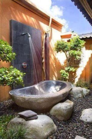Secluded outdoor bath