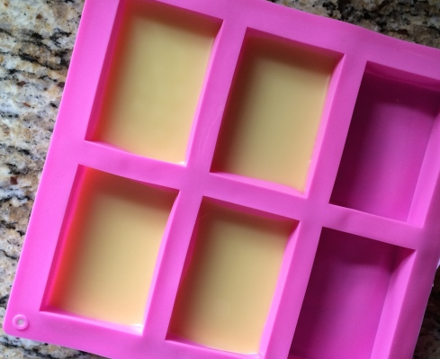 The bars are set, simply flip onto a plate - easy to do with silicone mold!