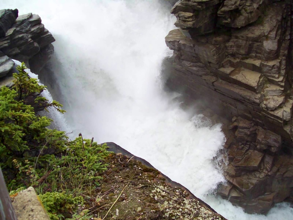 Travels in Canada - part ten - Athabasca Falls (3/4)