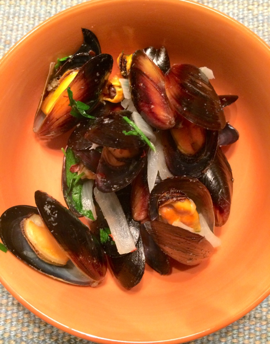 Steamed Mussels with White Wine